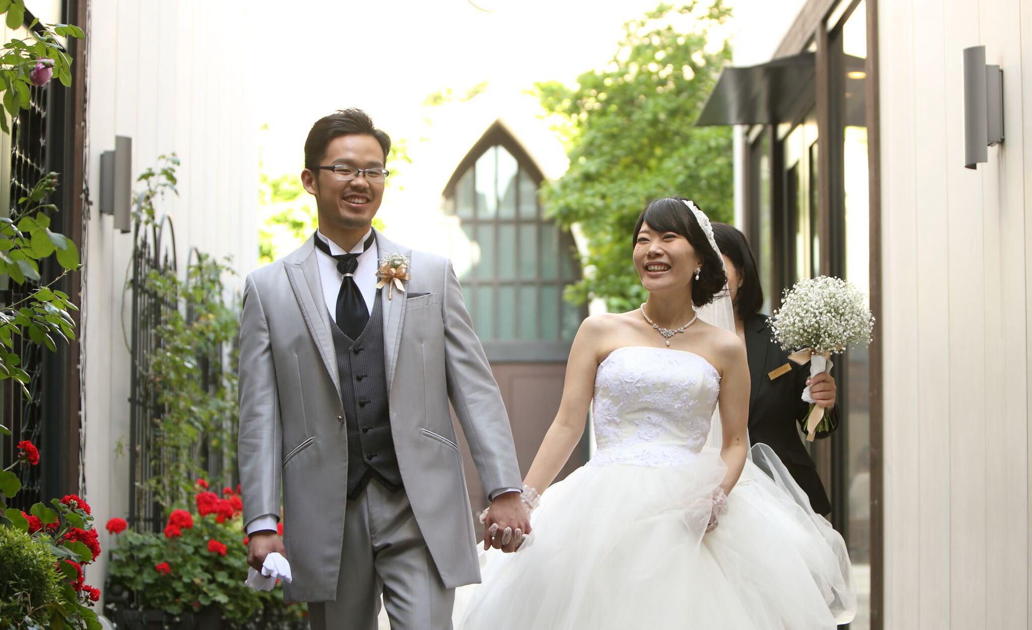 私達が、南青山サンタキアラ教会で結婚式を挙げた理由と感想。素敵なウェディングを!